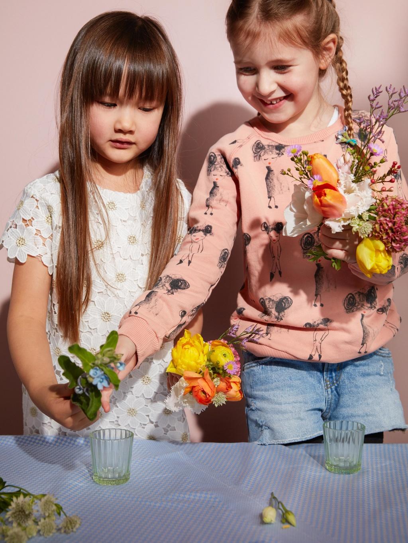 Spring is Flowers on Funnyhowflowersdothat.co.uk